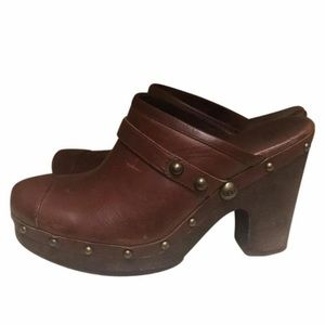 UGG •• Jolene heeled clogs